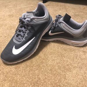 Nike Fitsole Lite Run Athletic Shoes